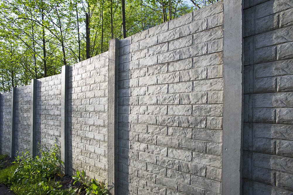 Betónový plot montáž Bratislava