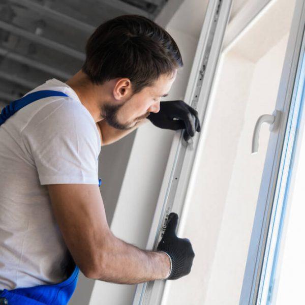 montáž plastových okien ako aj strešných Profi montáže