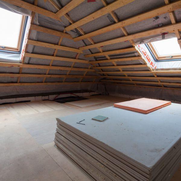 Montáž sadrokartónu na šikmú strechu Bratislava
