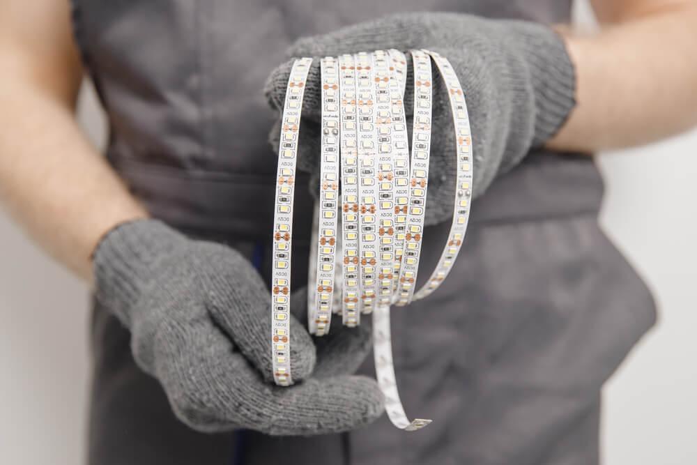 montáž LED pásov pod kuchynskú linku Profi montáže
