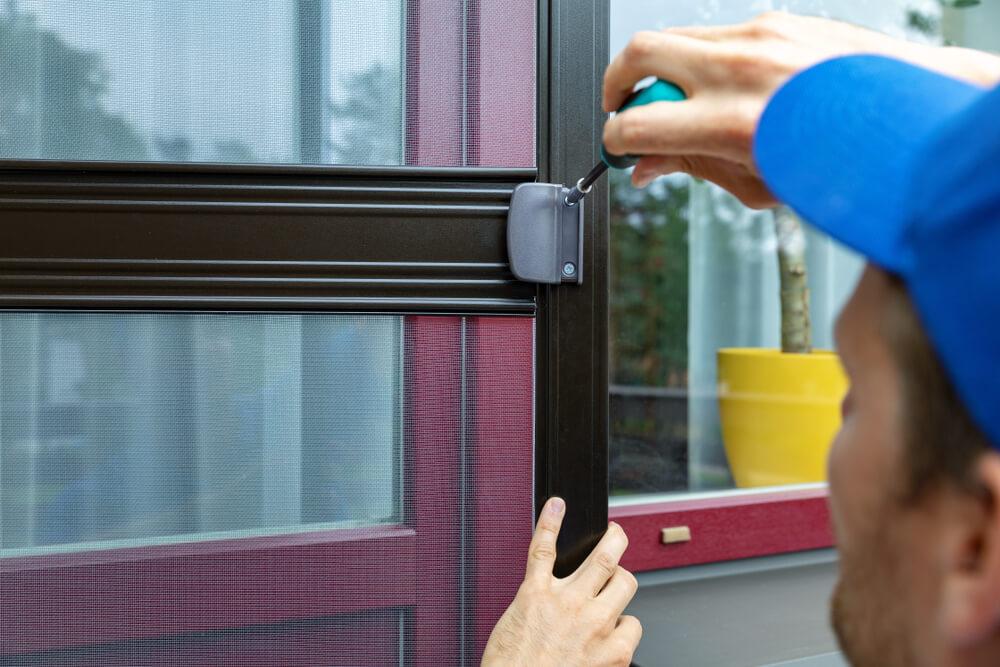 montáž sieťky na balkónové dvere Bratislava Profi montáže